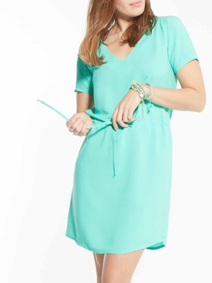 Robe housse, taille resserable