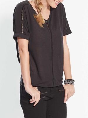 T-shirt manches roulottées