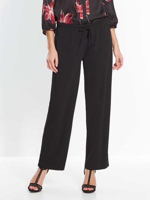 Pantalon noir, maille crêpe