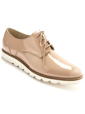 Derbies vernis, en cuir