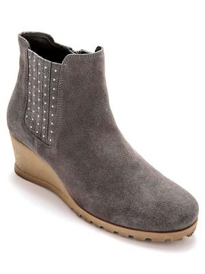 Boots avec petits clous, largeur confort