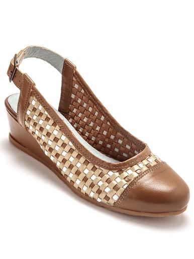 Sandales tressées en cuir, à bout fermé
