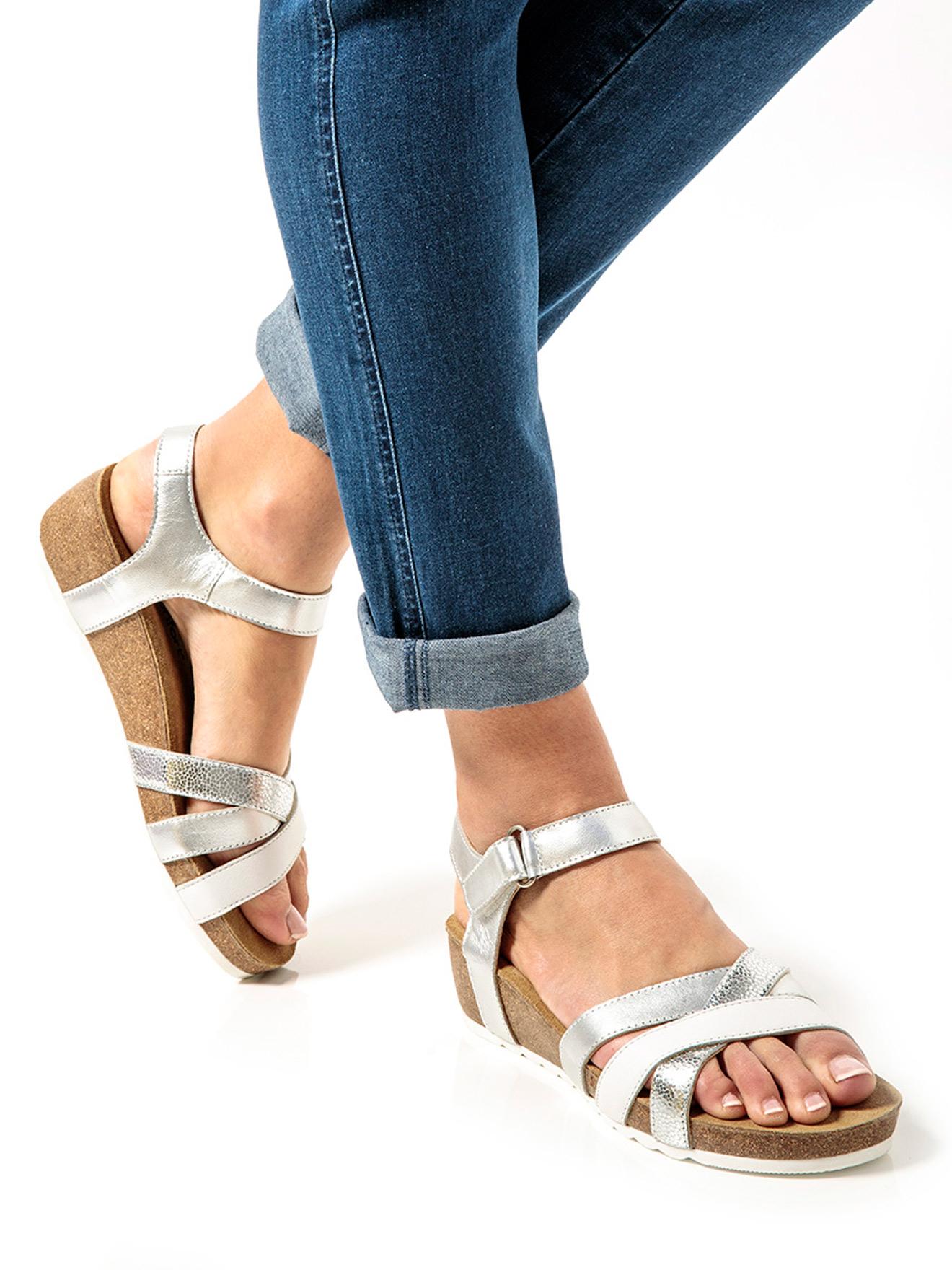 c38aa543dd22d2 Sandale bicolores, talon liège - Daxon