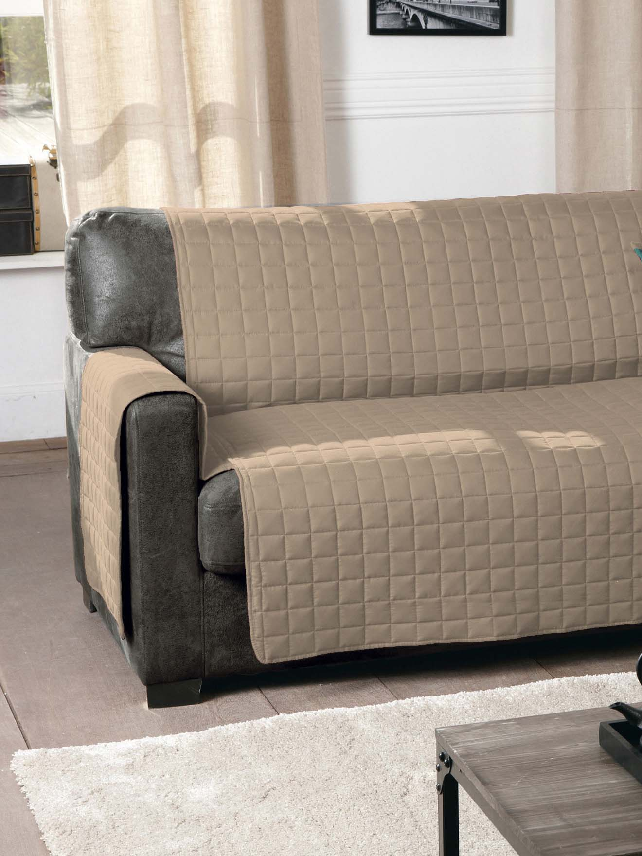 Prot ge canap matelass antiglisse daxon for Protege canape matelasse